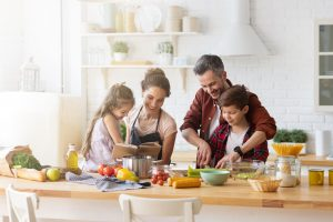 c'è un'alimentazione che protegge da Covid-19 cucinare insieme